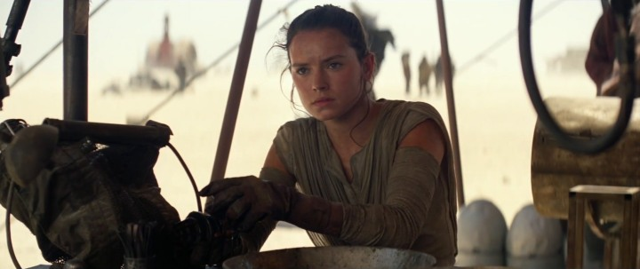 Star-Wars-7-Trailer-3-Rey-Workshop