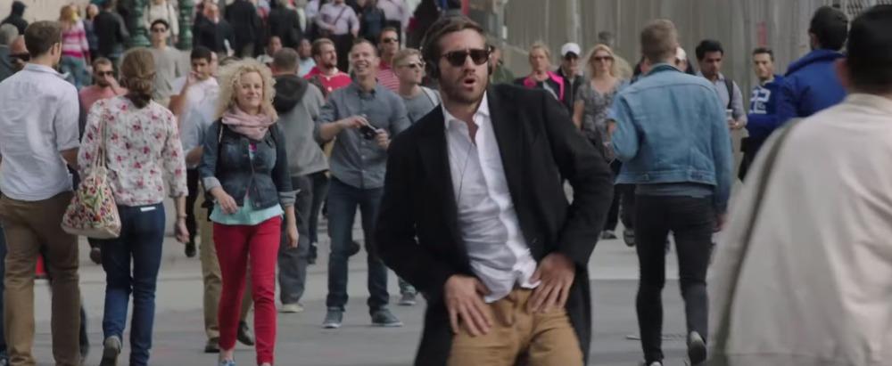 picture-of-jake-gyllenhaal-dancing-in-demolition-movie-photo.jpg