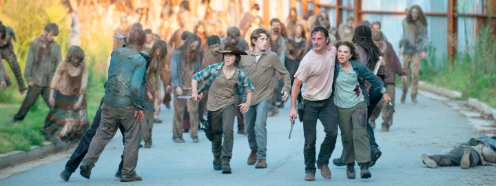 the-walking-dead-episode-608-carl-riggs-rick-lincoln-post-1600x600.jpg